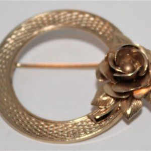 Vintage Gold Tone Circular Rose Brooch